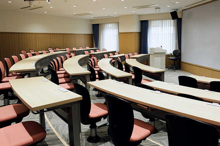 Lecture Hall B(4th Floor)